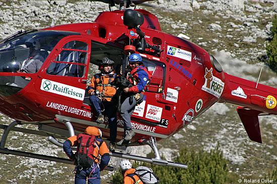 Elicottero Ortisei : Cinofili equipaggio elicottero aiut alpin dolomites
